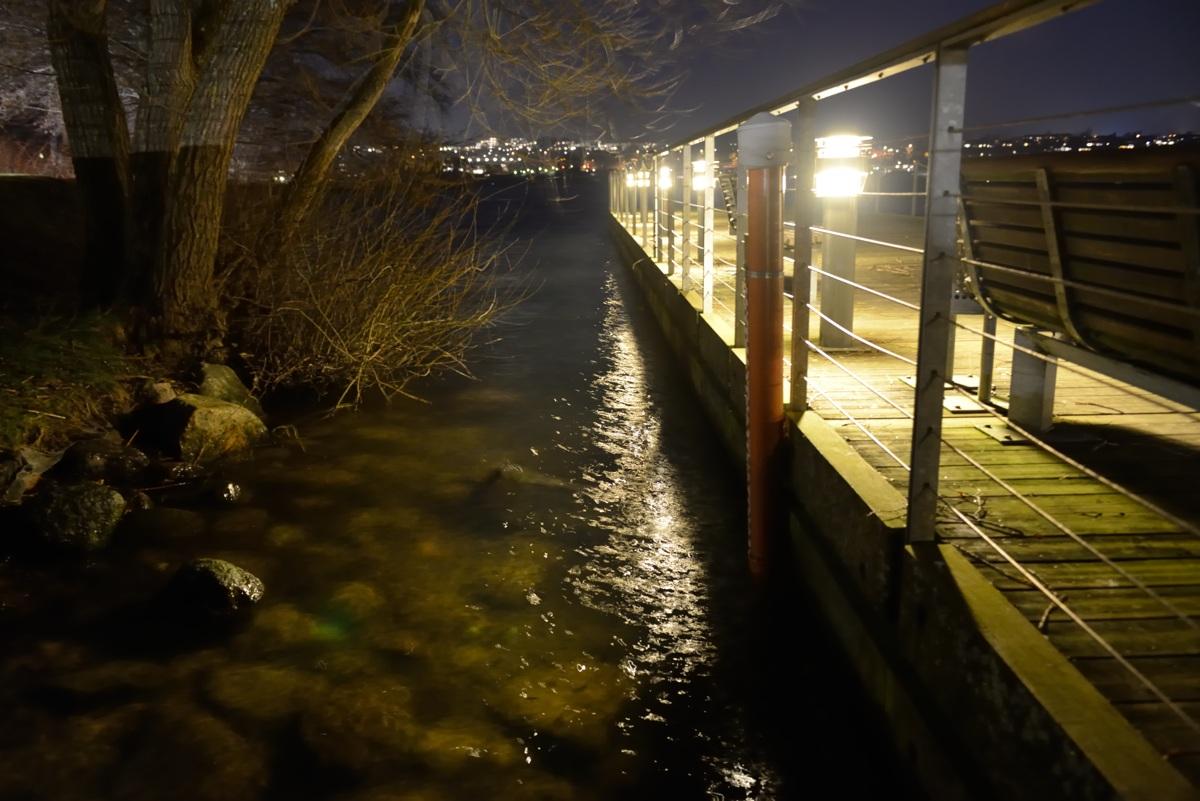 Detaljer fra bådebro ved Skanderborg kulturhus