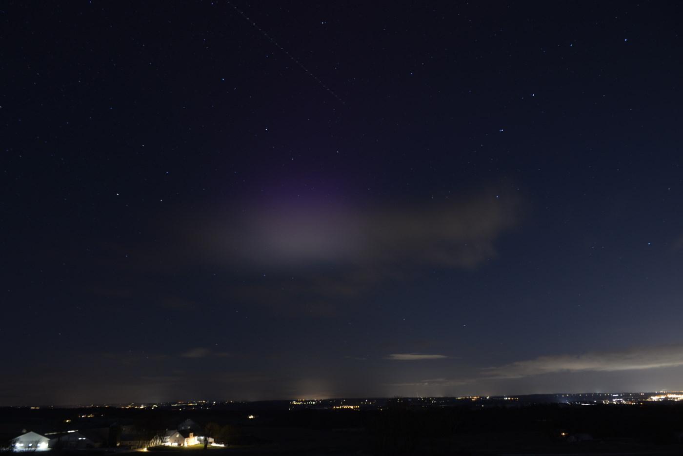 Lysfænomen delvist dækket af sky